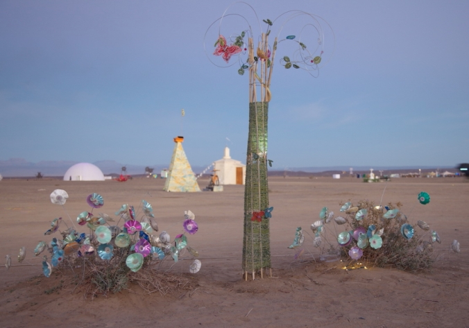 The CD and DVD flowers formed part of my installation at my campsite at this year's AfrikaBurn